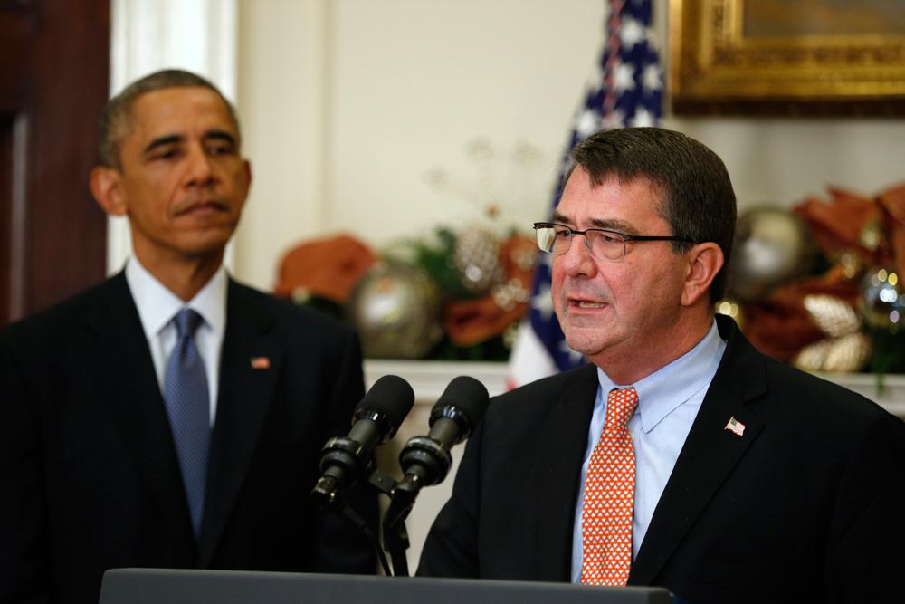 Menhan Amerika Serikat, Ashton Carter bersama Presiden Barack Obama (Foto:aei)