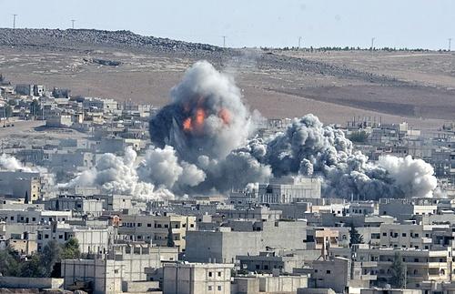 Kota Fallujah saat di serang psukan Irak, di bom AU koalisi (foto : shutterstock)