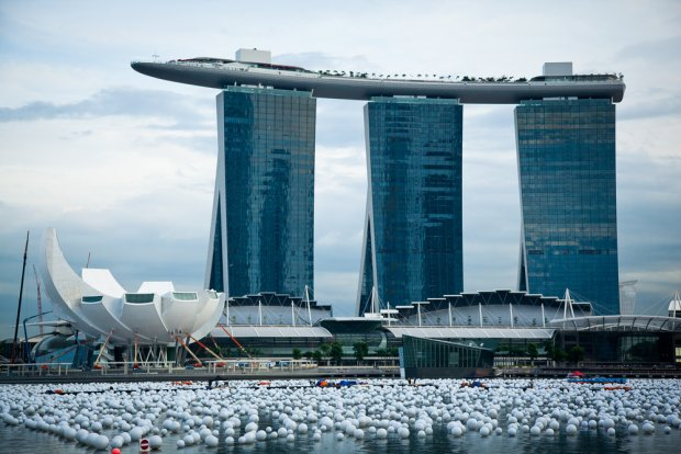Marina Bay Sands, hotel terkenal di Singapura dan mudah dikenali (Foto :pedroze.gazeta)