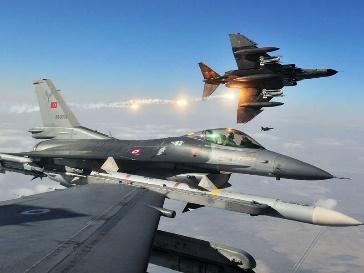 Pesawat Presiden Turki Recep Tayyip Erdogan hampir ditembak jatuh oleh F-16 AU Turki pada malam kudeta dalam penerbangan ke Istanbul (Foto : fightersweep)