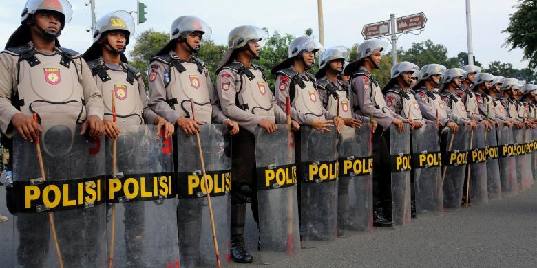 Jaringan teror JAD masih ingin membalas dengam kepada Polisi, berarti harus waspada masih menjadi target utama (foto : Nasional Kompas)