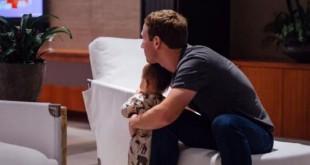 CEO Facebook Mark Zuckerberg bersama putrinya menyaksikan hasil pemilihan Presiden AS. (Facebook)