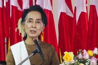 Aung San Suu Kyi adalah seorang aktivis prodemokrasi Myanmar dan pemimpin National League for Democracy.